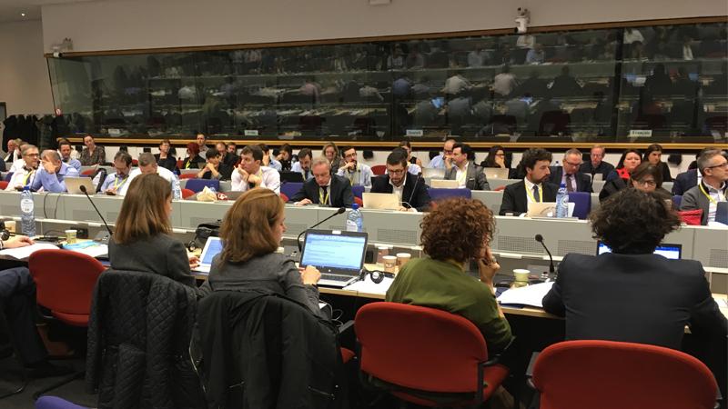 Mötesdeltagare vid Europeiska Bredbandsdagen 2018 i Bryssel.